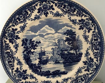 Wedgwood Queens Ware collectors plate, 'Pembroke Castle' part of 'The Blue & White Collection