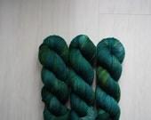 "Hand Dyed Yarn - ""Forest"" Merino Wool Fingering weight, DK weight Indie dyed yarn, Speckle Sock Yarn 100g skein"