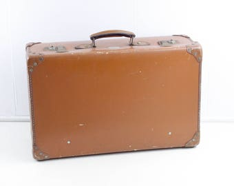 vintage suitcase, 1950s board suitcase, 1960s lightweight luggage by Spartan, decorative storage, mid century home decor country cottage