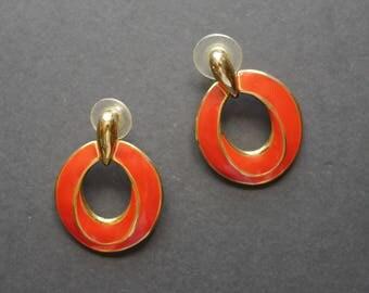 Red enamel vintage 1980s earrings for pierced ears