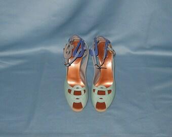 Authentic vintage Fendi shoes! Genuine leather!
