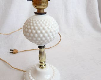 Vintage Hobnail Milk Glass Light Vanity Dresser Table Lamp 1950u0027s
