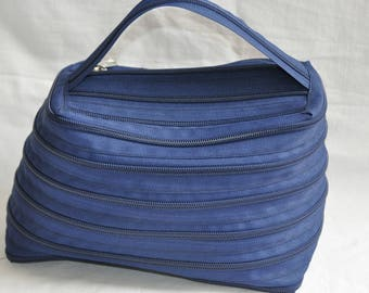 Toilet bag Blue Navy entirely in French brand zipper