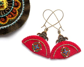 "Red handfan earrings asian embroidery miao embroidery vietnam ethnic fabric jewelry ""Hoa Lê"""