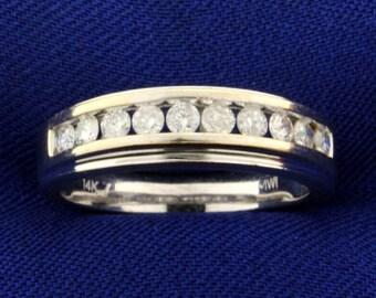 1/2ct TW Diamond Band Ring