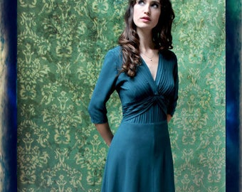 Gorgeous forties pintuck detail crepe dress