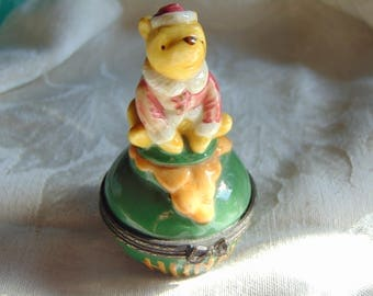 Classic Winnie the Pooh trinket box by Midwest of Cannon Falls with a BEE trinket