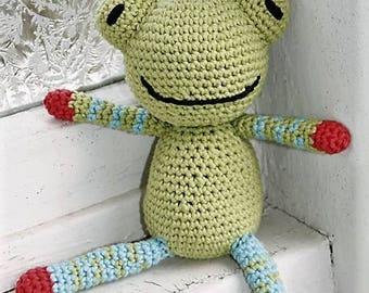 March small plush frog crochet