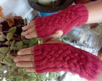 Lovely mittens pattern basket