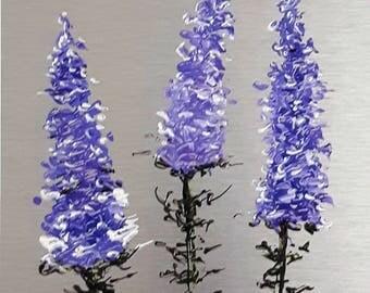 """Fleurs mauve-bleu 8"""" x 6"""" acrylique sur aluminium à l'état naturel / Purple-blue flowers  8 in x 6 in acrylic on natural aluminum"""
