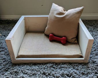 The Farmhouse Pet Bed