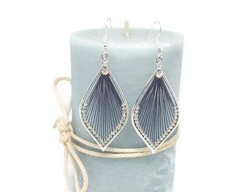 Drop earrings gray