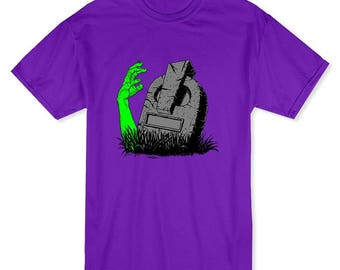 Halloween Zombie Hand Rising From The Grave Men's Purple T-shirt