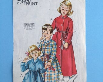 1950s Vintage Sewing Pattern for Child's Dressing Gown  Style 1094. 4 Years