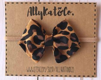 Leopard Bow// Leopard Fabric Bow// Nylon Headbands// Baby Girl Bow// Leopard Print Bow