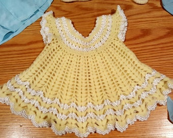 5 cute baby outfits from the 60s/ newborn to 12 months