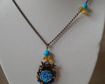 """couple of birds and blue flower"" necklace"