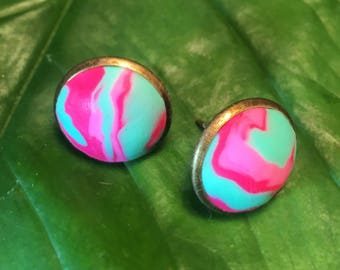 Flamingo Fancy polymer clay stud earrings. Turqouise and hot pink.