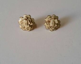 Beige and Gold Flower Earrings