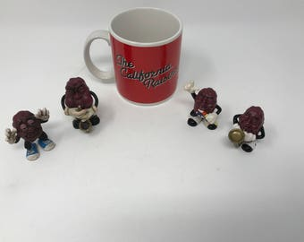 Lot Vintage 1987 4 California Raisins Guys and Coffee Cup