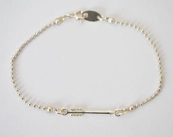 Vente de liquidation > Bracelet FLÈCHE // Bracelet minimaliste réalisé avec une flèche comme symbole et une fine chaîne à billes