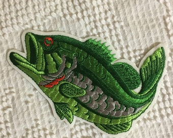 LARGEMOUTH BASS Fish Patch Mint Condition Detailed Item WILDLIFE Sport