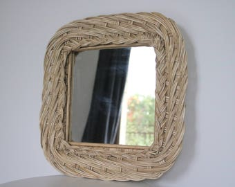 Wicker mirror, Natural home decoration, room mirror, espejo de mimbre, vierkante rieten spiegel, miroir carré, espelho quadrado.
