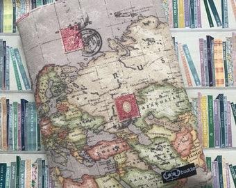 Buddle, large, padded book cover/sleeve (world map)