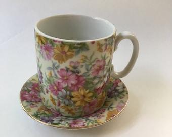 Vintage Floral tea cup and saucer set