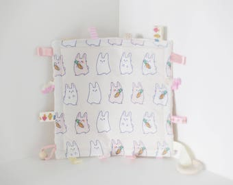 Taggie Blanket/Crinkle Toy/Crinkle Sound/Taggie Blanket/Teether/Teether/Sensory Baby Toy/Bunny Pattern/Montessori Baby Toys/Busy Blanket