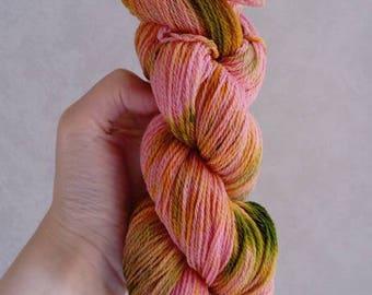 "100% Macomerinos ""Cake Japanese"" hand dyed wool"