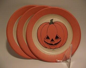 Vintage Hallmark Halloween Paper Dinner Party Plates set of 3 Jack O Lantern Pumpkin Unused