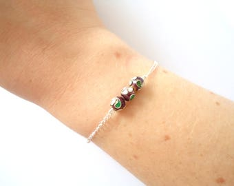 Bracelet with chain and beads