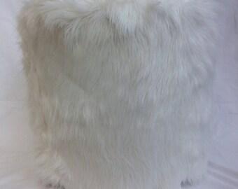White fur drum stool