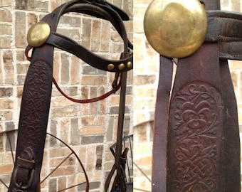 Vintage show bridle; heavy 2.5 inch wide leather horse headstall; beautiful tooling; 2 extra large brass rosettes; 3 brass studs browband