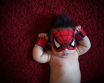 Newborn Spiderman mask & cuffs