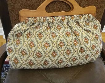 Vintage Tapestry handbag from 1940s with wooden handle.