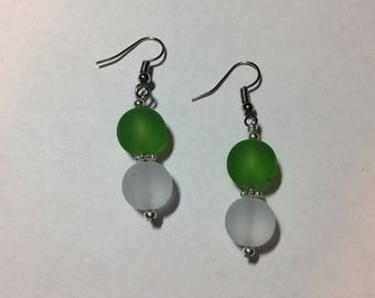 "Earrings ""in green and white sea"""