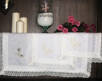 Set of 3 pure white linen and lace bow centers