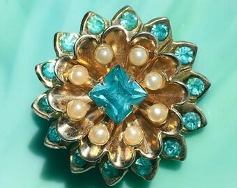 Blue Crystal Flower Pin | Pearl Flower Brooch | Coro Jewelry | Flower Jewelry | Floral Jewelry | Rhinestone Jewelry | Vintage Jewelry