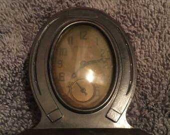 Vintage Art Deco 1930s NEW HAVEN Bakelite Case Horseshoe Clock