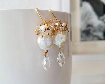 ON SALE Bride earrings with pearls and crystals
