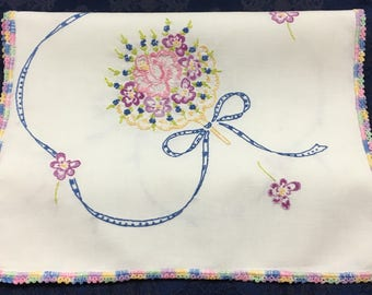 Vintage Hand Crafted Linen Table Runner Dresser Scarf Beautiful Embroidery