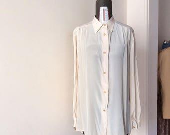 Delicata camicia in pura seta panna con bottomi lavorati dorati, over, taglia unica