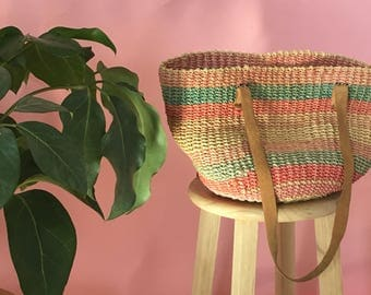 Vintage multicolored straw market bag with leather straps