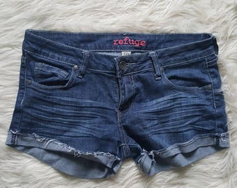 Basic summer denim cut off shorts. Outfit makers, size 6