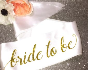 Bride to be sash / bride sash / bachelorette sash / bridal sash / bridal shower / bachelorette