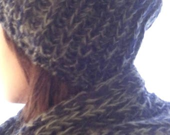 Set hat and Angora and acrylic snood in Heather black