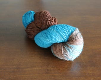 Handdyed yarn, sock yarn, fingering weight, yarn, socksanity, socksanity Chronos, blue, brown