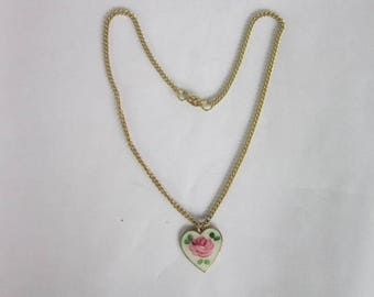 Vintage Sarah Coventry Enameled Heart Pendant Necklace
